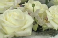 How to create a winter look centerpiece with Roses, Orchids and Color-Tex!