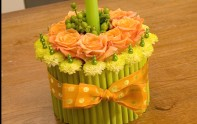 How to Create a Cake out of Flowers!