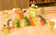 How to make centerpieces in Chinese take out containers!