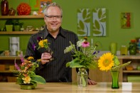 How to Arrange Flowers from your Garden!