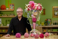 How to Create an Illuminated Tower Vase filled with Spray Rose Spheres!