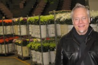 J tours the Vancouver Flower Auction with Marcy Emery from Florist Supply Ltd!