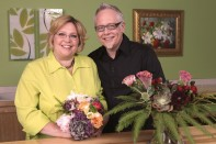 How to Make a Hand Tied Wedding Bouquet and Reception Vase Arrangement To Match!