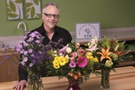 How to Make COGS Controlled Vase Arrangements with Arrangement Solution Kits!