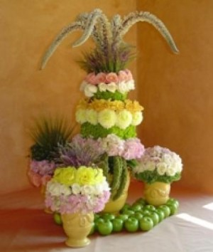 Beth O'Reilly's Sculptured Dessert Table Topiary project for uBloom