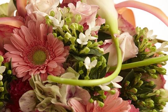 How to Arrange Flowers: Wedding Bouquet