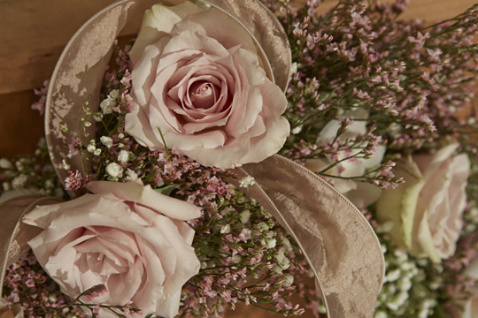 How to arrange flowers- Babies Breath Garlands and Burlap & Lace accents