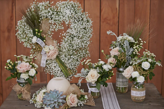 How to arrange flowers- Mason Jar Wedding Decorations