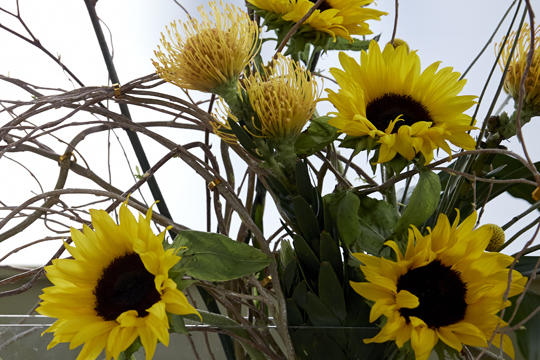 How to arrange flowers- Sunflower Armature