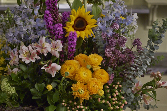 How to arrange flowers- Flower Field Arrangement- American Grown