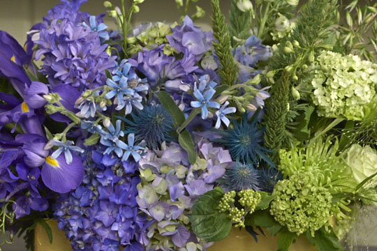 How to arrange flowers_Ombre' Event Centerpiece!