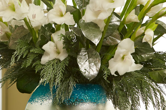 "How to Arrange Flowers_""Frozen"" inspired Christmas Centerpieces"