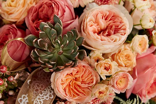 "How to Arrange Flowers_Rose Gold ""Heirloom"" Centerpiece"