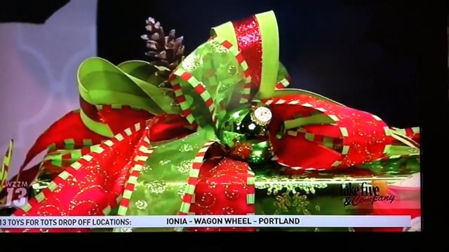 Take 5 with J - Festive Christmas Wrapping Techniques!