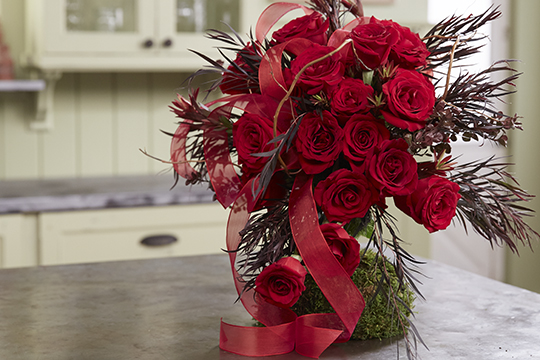 How to Arrange Flowers_Corazon Rose Wedding Bouquet