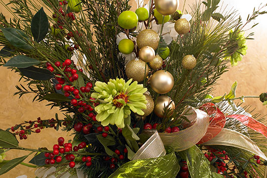 How to Arrange Flowers_Christmas Tree Decorating Tree Topper