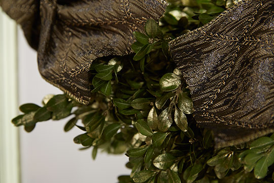 How to Arrange Flowers_Boxwood Wreaths and Ribbon Treatments