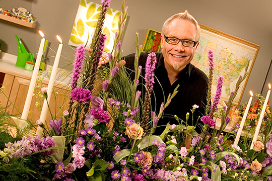 How to Arrange Flowers_The Botanical Board