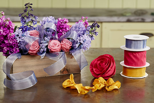 How to Arrange Flowers_Ribbon Tips from Bloom 365