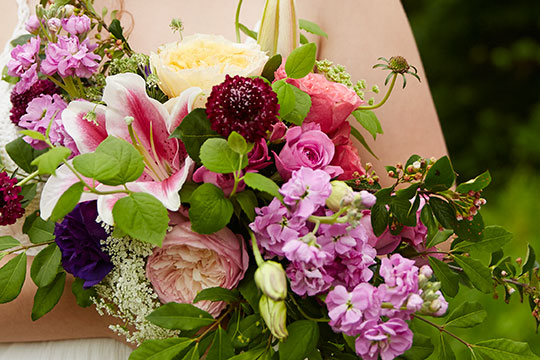 How to Arrange Flowers_Wedding Flower Lessons!
