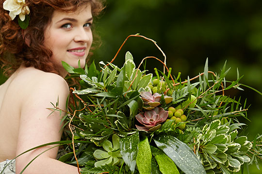 How to Arrange Flowers_Foliage Wedding Bouquet!