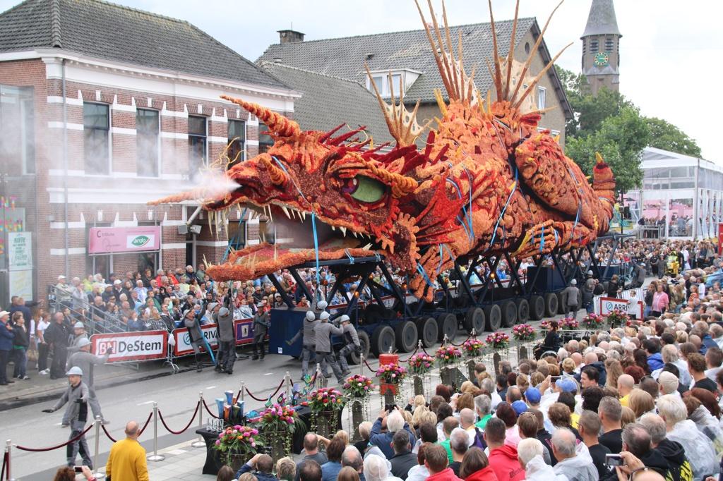 Dragon Float Wins Corso Zundert!