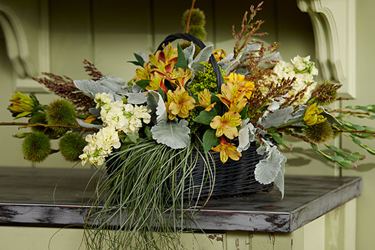 How to Arrange Flowers_Fall Basket Centerpiece!