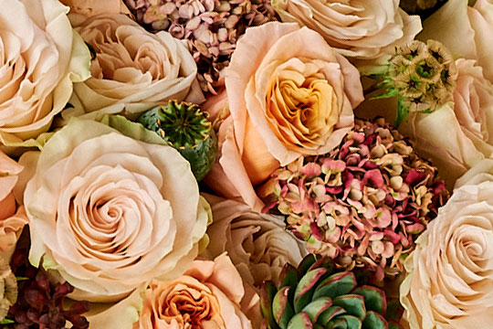Lush Autumn Rose Centerpiece!