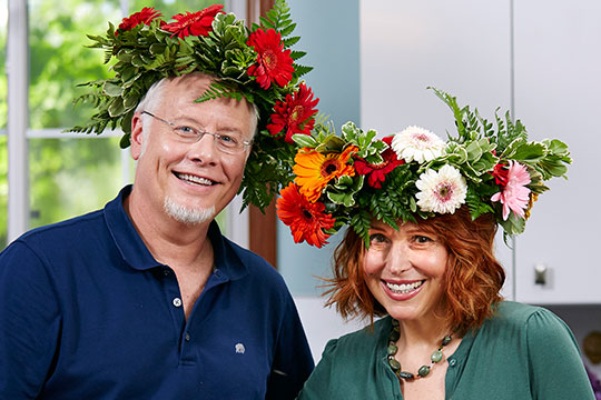 My friend Kim Carson drops by and we create a flower filled salad recipe that's sure to be delicious