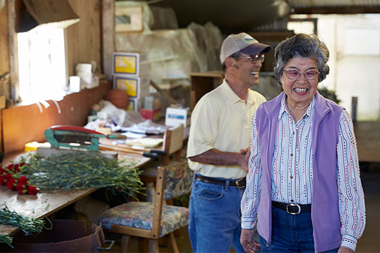 The Akiyamas enjoy raising carnations and farming in California!