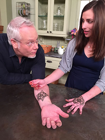 Amanda Gilbert from Happy Henna- applies a Flower Tattoo on Life in Bloom!
