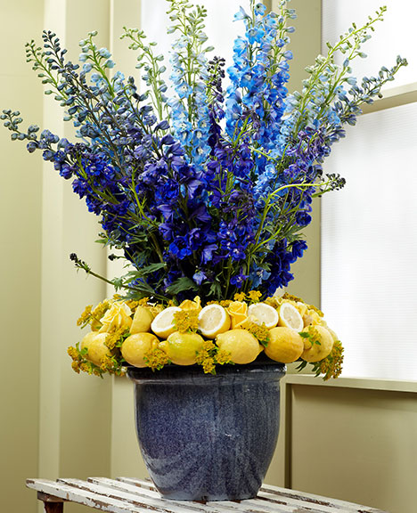This stately arrangement may look difficult but it's 3 simple elements- that come together Impressively!