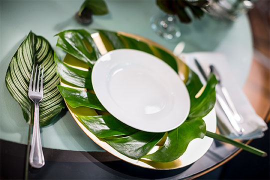 J shows how simple and elegant a table setting with Foliage can be- on Living Green- with Life in Bloom!