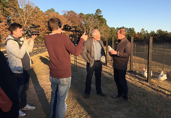 J Visits Moss Mountain farm and friend P Allen Smith- on this week's Life in Bloom!