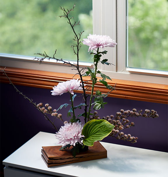 J creates this Ikenoba Inspired Japanese Flower Arrangement on J Schwanke's Life in Bloom!