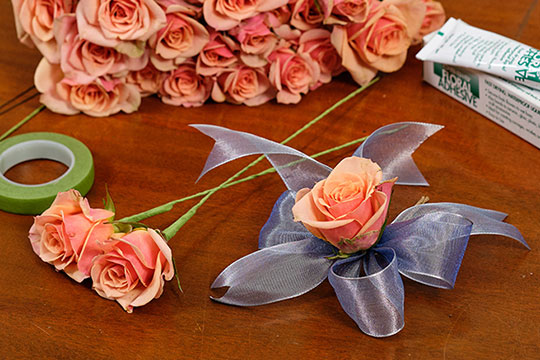 How to Glue Fresh Flowers!