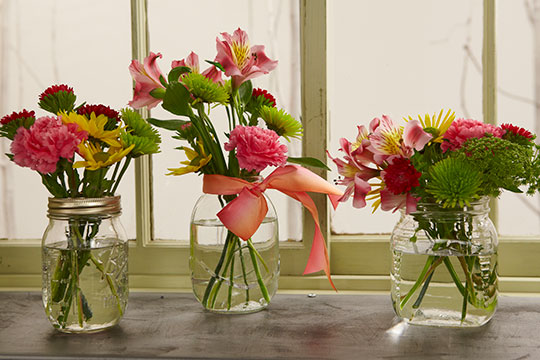Flower Lesson - Break-a-way Flower Vases!