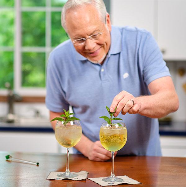 I create an Elderflower Cocktail and Mocktail this week on Life in Bloom!