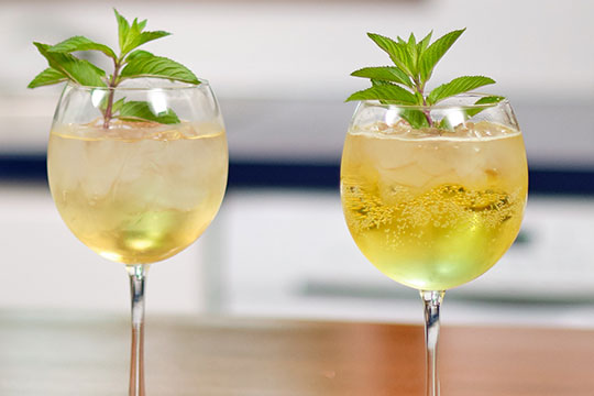 Elderflower is the secret ingredient for this refreshing flower cocktail recipe!