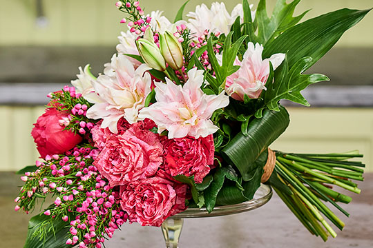 How to create a Hand-Tied Bouquet