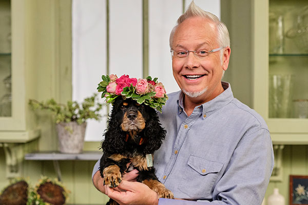 This episode of Life in Bloom is going to the Dogs- (and Cats) as I share some of my favorite Flower projects for Pets- and more on Life in Bloom!