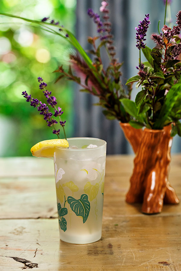 Lavender Collins- #Flower Cocktail Hour Lavender and Lemon appear in this refreshing Lavender Collins Cocktail- that's easy to make- and beautiful to serve!