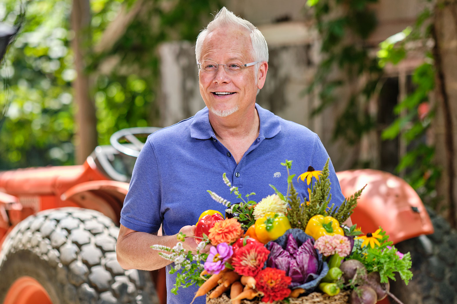 """""""Anything can be paired with Flowers"""" - quips J Schwanke- host of American Public Television's """"J Schwanke's Life in Bloom""""- here J creates a bouquet with Fresh Flowers and Produce- while visiting a local farm in Michigan!"""